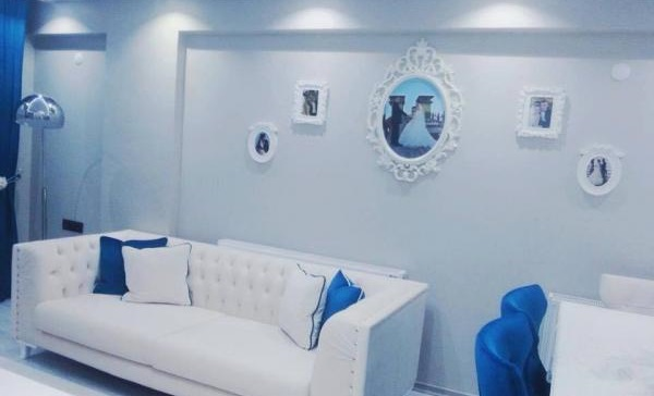 Home Decorating with Blue White Color